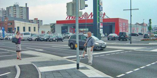 Getrennte Überquerungsstellen - ideal für Fußgänger und Langstocknutzer